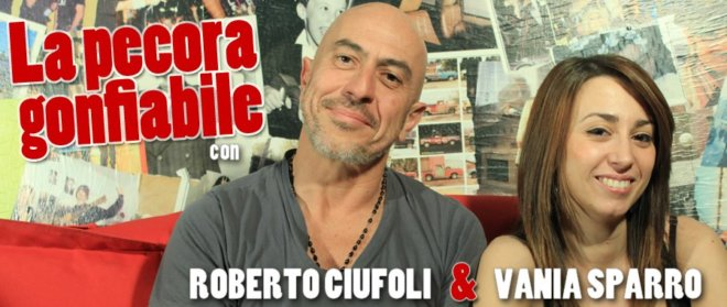 La-pecora-gonfiabile_ROberto-Ciufoli_Vania-Lai